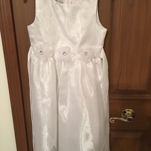 Other - White flower girl dress size 7